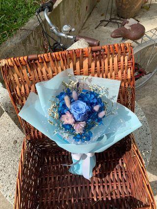 🚚 Preserved flower bouquet