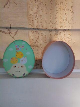 只有一個要買要快☆🐻珍愛買時尚精品☆~全新的~超可愛蛋型小雞baby禮盒~可當禮盒包裝(收藏品)