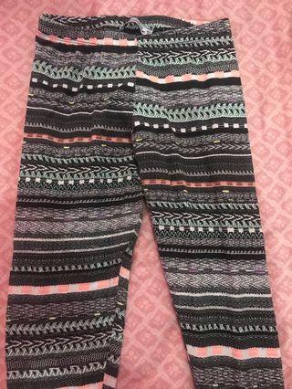 Pull&Bear Tribal pattern legging M