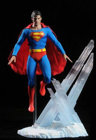 Hot toys Christopher reeve superman