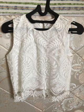 Thread theory cropped white top brand new