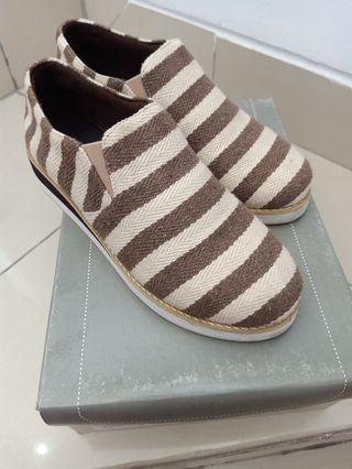 Elizabeth Shoes Sepatu Manis dan lucu
