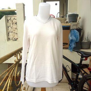 Kaos Sweater Putih Polos
