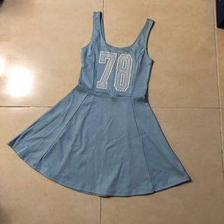 H&M運動風連身裙(水藍)