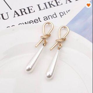 Pearl Knot Earring