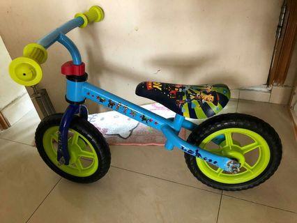 巴斯光年 玩具總動員 Buzz Lightyear 反斗奇兵 平衡車 學行車 屯門交收 BB 小童用品