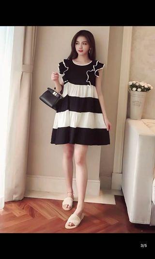 韓國黑白間花邊連身裙$150