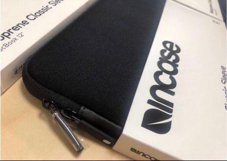 15寸現貨全新Incase macbook保護套 apple store售$528