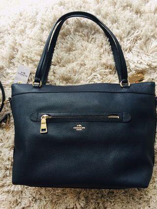 🚚 Coach tote bag