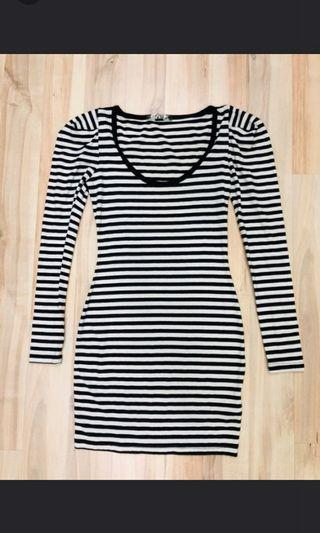 Authentic guess long tops