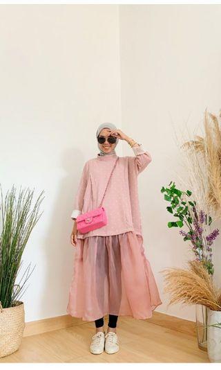 Luvely pink Iymels says hijab ISH