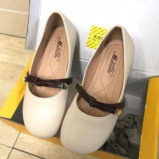🚚 女童豆豆鞋