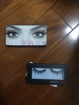 fake huda beauty false eyelashes in farah