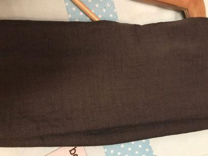 femme outfit azzura shawl square warna dark smoke grey tidak ada cacat/ bekas jarum