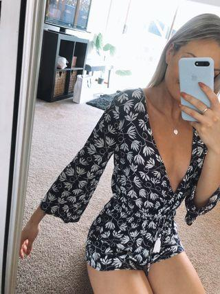 Glamazon Printed Flare Sleeve Tie Waist Playsuit - Size 6 - Worn once