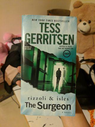 外科醫生懸疑小說原文 The Surgeon 誠品暢銷