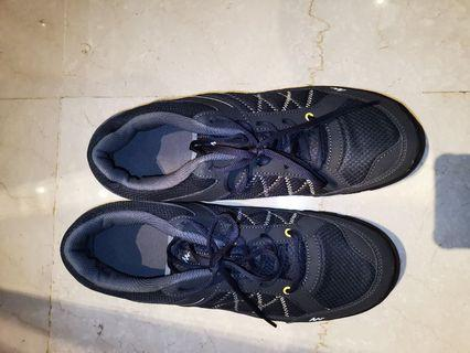 Free $0 Decathlon exercise Shoes size 46