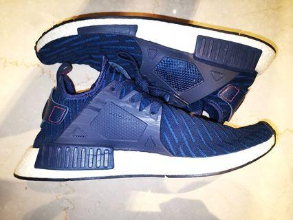 🚚 Adidas NMD R1 Navy blue size 44.5 UK10