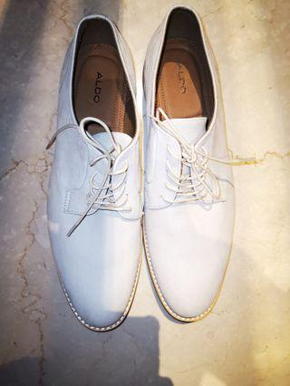 🚚 Aldo cream off-white color derby shoes
