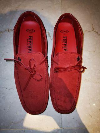 🚚 Tod's Ferrari red leather loafers