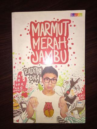 Novel Marmut Merah Jambu