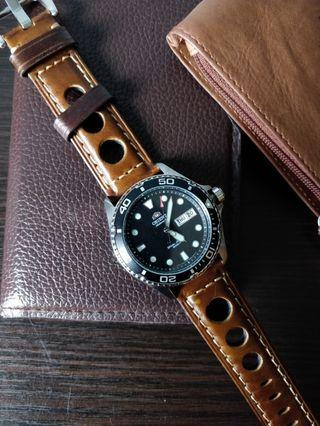 Premium quality leather racing strap 22mm suitable for skx,skx011,skx mod, steinhart , diver watches, omega, Rolex, Dan henry, submariner, Seiko, citizen,skx007,skx009 and other models