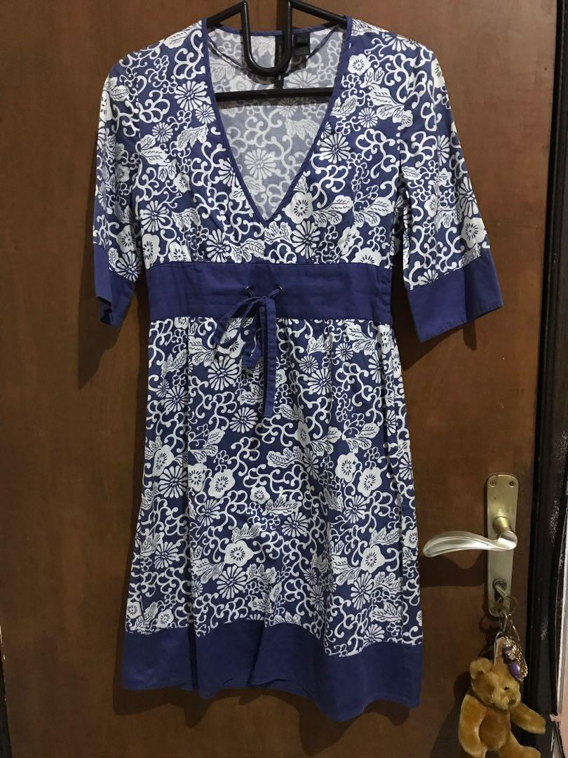 Mango Blue and White V Neck Floral Dress