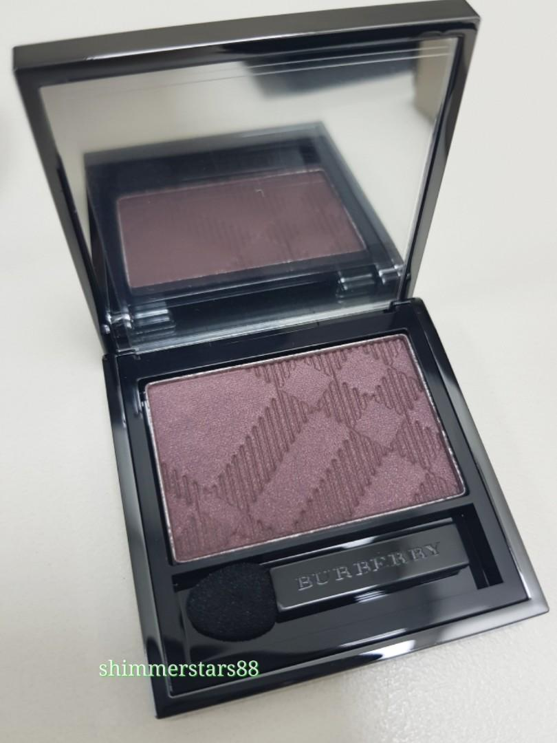 New Burberry Silk Wet & Dry Eyeshadow in Mulberry No.204