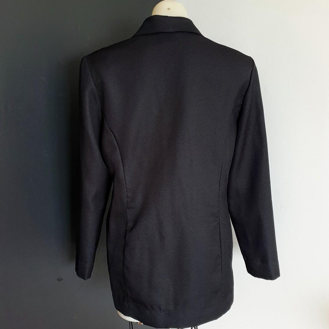Women's size 12 'SAPPHIRE COLLECTION' Gorgeous black long blazer jacket- AS NEW
