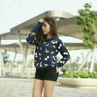 Basic Sweater Hitam Lucu