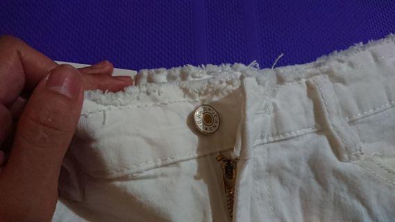 夏季热裤 米白色 前后共4个口袋,吊牌还没拆