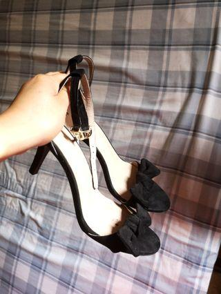 H&M black heels with little bow size 37