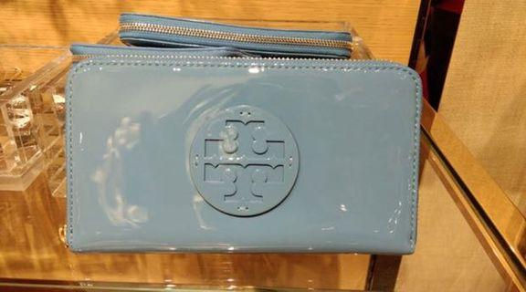 Tory buch patent leather zip wallet