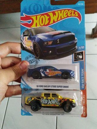 Hot Wheels Basic Car Ford