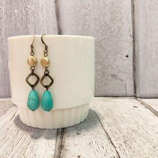 🚚 Handmade Dangling Earrings