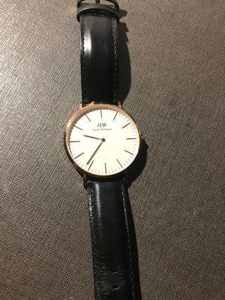DW皮錶帶手錶