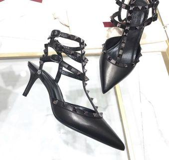 🚚 Valentino Caged heels (Authentic)