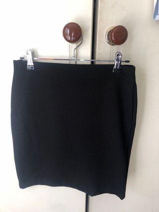 Ribbed black work skirt