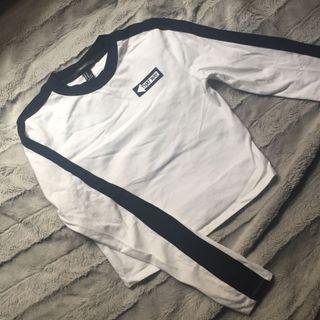 ✨forever 21 white & black long-sleeve shirt