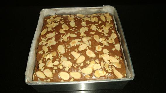 Pre order- Brownish topping Almond