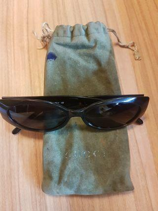 Gucci sunglass double G , used