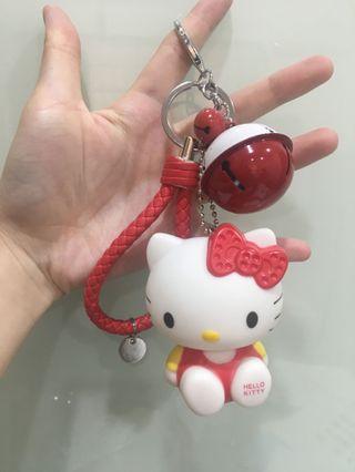 🚚 現貨 Hello kitty鈴鐺公仔皮鞭吊飾 吊飾 Kitty鑰匙圈
