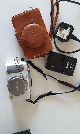 🚚 Panasonic Lumix DMC-LX5 Digital Camera