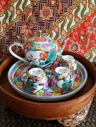 Vintage tea set (small)