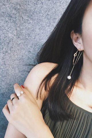 10$ earrings