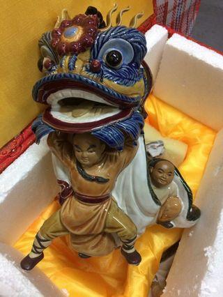 黃飛鴻 醒獅 舞獅 陶瓷 擺設 一盒2個 原價$1480