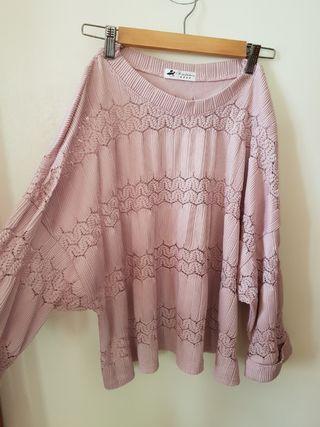 🚚 女神氣質款粉色鏤空上衣