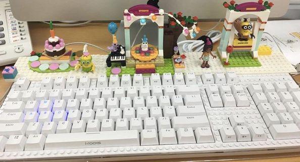 【i-Rocks】IRK76M RGB機械鍵盤(白色)