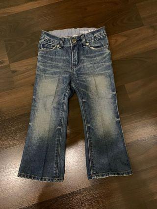 Preloved jeans Gap ( original ) size 2 years old. bisa utk boy n girl.