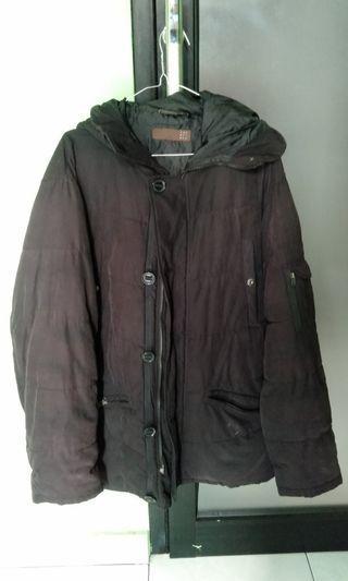 Jaket tebal anti dingin